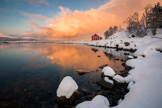 Zonsondergang in de winter - Vesteralen / Lofoten, Noorwegen van Martijn Smeets