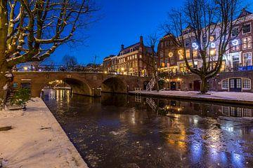 Bevroren Oudegracht in Utrecht.