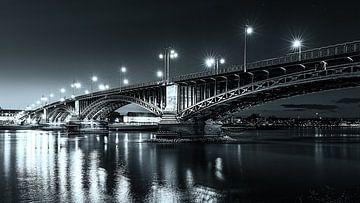 Le pont Theodor Heuss sur Markus Kaiser