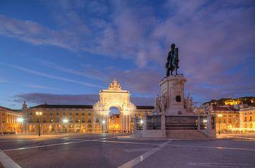Praca do Commercio in der Abenddämmerung  Lissabon, Portugal