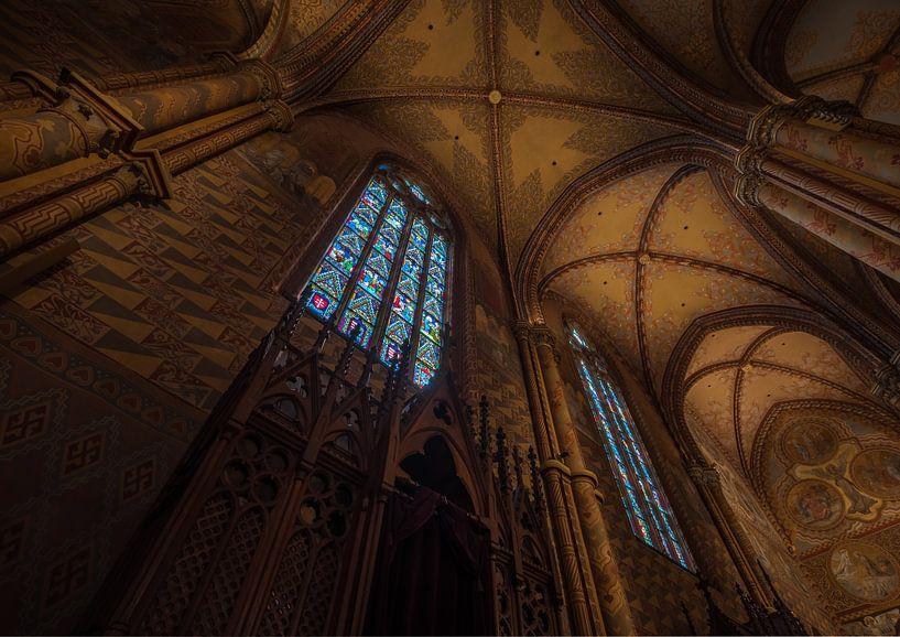 Matthiaskerk in Boedapest van binnenuit van Tomasz Baranowski