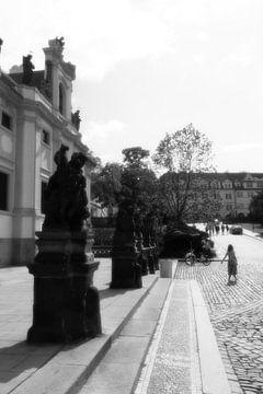 Prag - schwarz-weißes Quadrat von Wout van den Berg