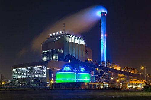 Nachtfoto Electrabel centrale te Nijmegen van