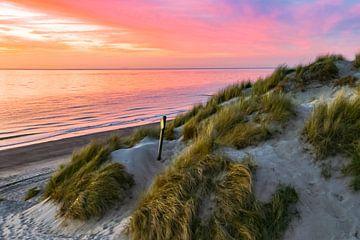 Zonsondergang in de duinen van Zeeland van Martijn Joosse