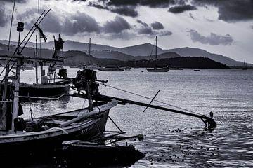 Fischerboot auf Koh Samui von Studio de Waay