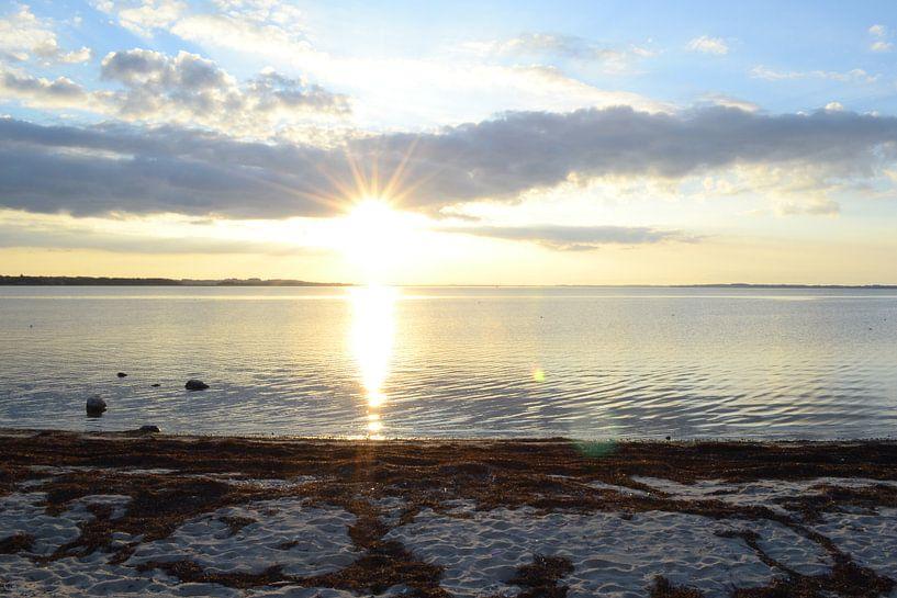 zonsondergang in denemarken  van tiny brok