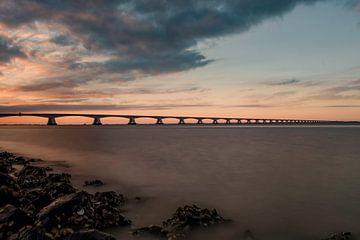 Zeelandbrug zonsondergang van Marjolein van Middelkoop