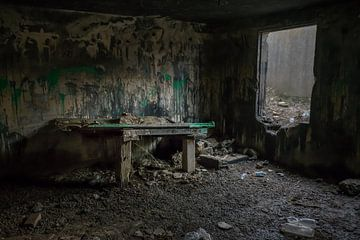 Urbex-Gefühl in einem verlassenen Bunker von Patrick Verhoef