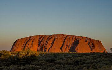 Uluru zonsopkomst van Pieter van der Zweep