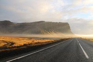 Mistige autoweg van Kevin Kardux