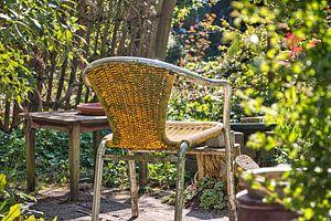 Zomers zitje in een tuin van Annie Postma