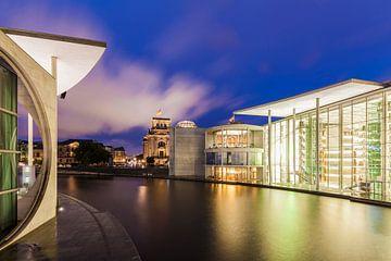 Quartier du gouvernement à Berlin le soir sur Werner Dieterich