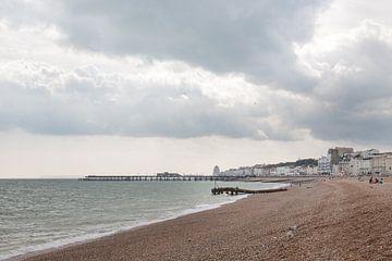 Het prachtige strand van Hastings waar we gezwommen hebben. van
