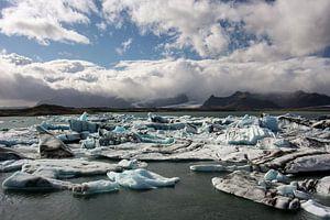 Jokulsarlon, gletsjermeer van Louise Poortvliet