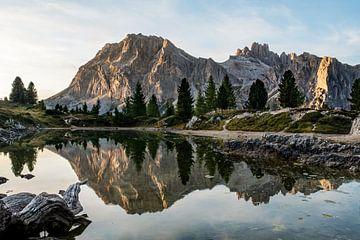 Lago Limides reflectie van Marc Vandijck
