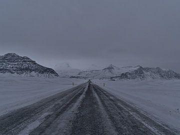 Road trip door de winter IJsland van Timon Schneider