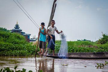 Visserij in Myanmar van Joey Ploch