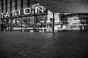 Centraal station Rotterdam von Xandra Ribbers