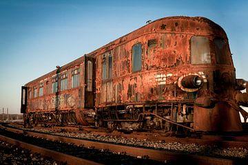 Verlaten trein voertuig van Shadia Bellafkih