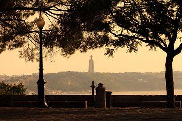 Lissabon uitzicht Cristo  von Dennis van de Water