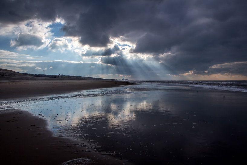 Zonnestralen op het strand van Jessica Van Wynsberge
