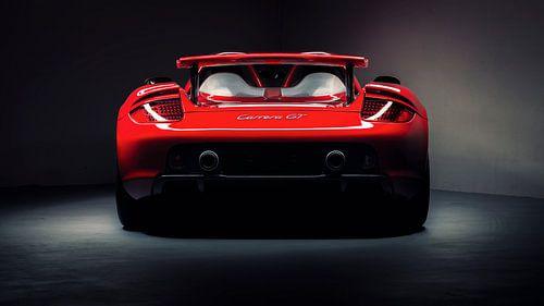 Rode Porsche Carrera GT van