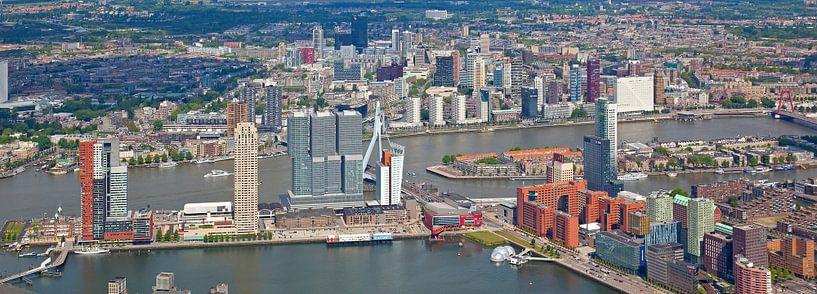 Luchtfoto panorama Skyline Rotterdam van Anton de Zeeuw