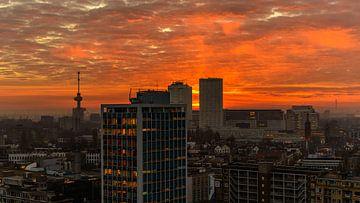 Rotterdam Sunset van Rob Hogeslag