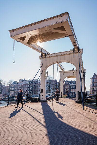 Die dünne Brücke (Magere Brug), Amsterdam von John Verbruggen