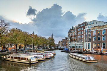Rondvaartboten Muntplein Amsterdam von Dennis van de Water
