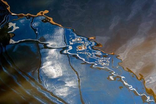 Serie Weerspiegeling in het blauwe water 1
