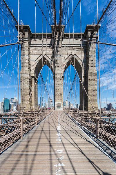 NEW YORK CITY, Brooklyn Bridge & staal draad touwen van Melanie Viola
