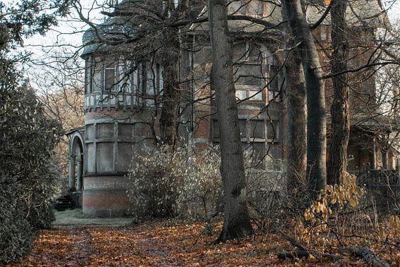 Urbex - Verlaten landhuis van Tim Vlielander