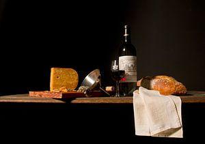 Stilleben mit Wein, Brot und Käse