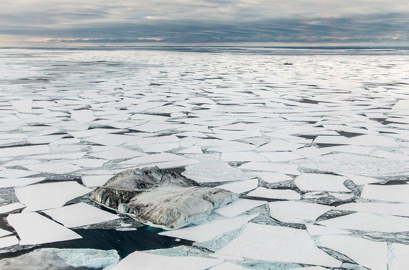 Luchtfoto Antarctica Zee-ijs van Eefke Smets