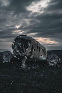 Flugzeugwrack von Sólheimasandur III von Colin van Wijk