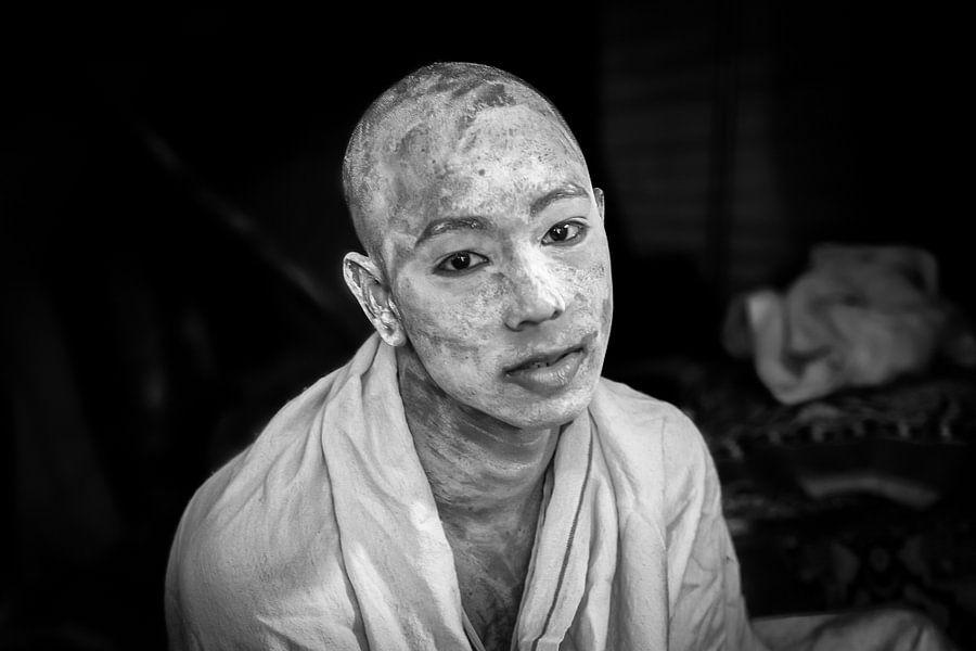 Sadhu op het hindoestaanse  Kumbh Mela festival in Haridwar India van Wout Kok