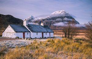 Black rock cottage, Glencoe, Schotland van Bob Slagter