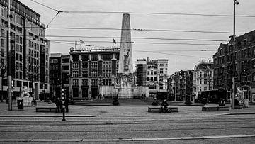 Nationaldenkmal auf dem Damm (schwarz-weiß) von By Odessa DC