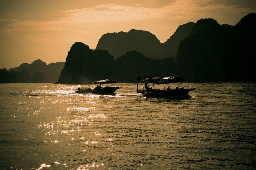 Bootjes in de zon in Vietnam van Godelieve Luijk