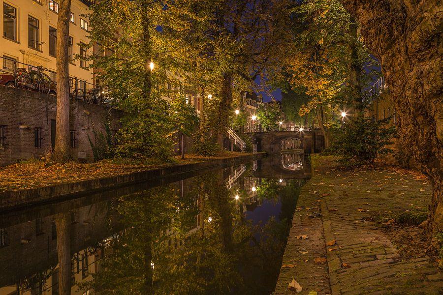 Nieuwegracht in Utrecht in de avond, herfst 2016 - 3