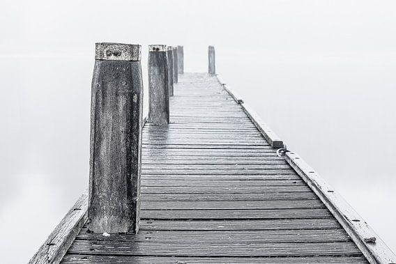 Steiger in de mist van Bert Zuidweg