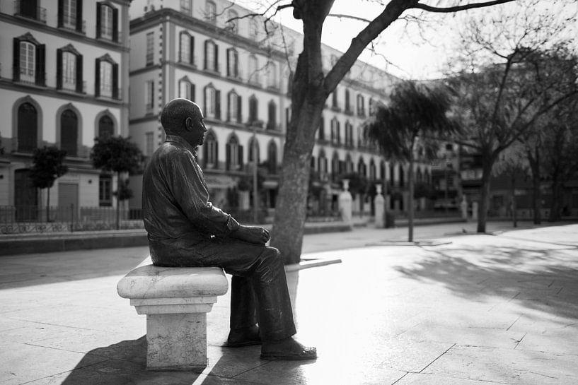 Picasso op Plaza de la Merced in Malaga, Spanje van Gerard van de Werken