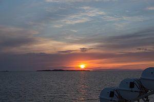 Uitzicht op het fjord Breidafjördur van de veerboot
