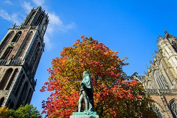 Het standbeeld van Graaf Jan van Nassau op het Domplein in Utrecht. van Margreet van Beusichem