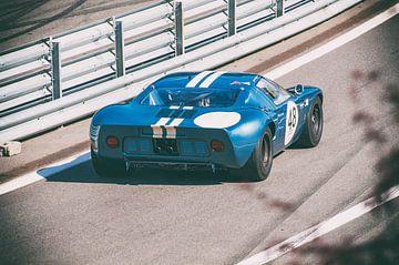 Ford GT40 racewagen in de pitstraat van Sjoerd van der Wal