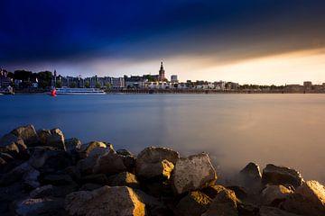 Dunklen Himmel über Nijmegen von
