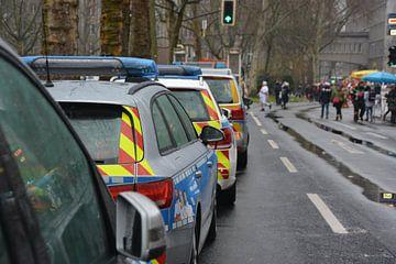 Landespolizei Fahrzeuggruppenbild von mz.einsatzfahrzeuge