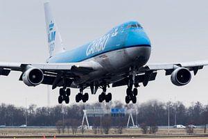 Boeing 747 KLM cargo  approach  van