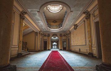 Eingangshalle des Chateau Lumiere von John Noppen